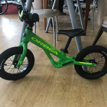 プレゼントにいかがですか?子供用自転車取扱いあります。